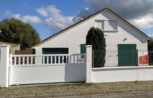 Début des travaux de transformation d'un garage en suite parentale à Saint Michel Chef Chef près de Pornic